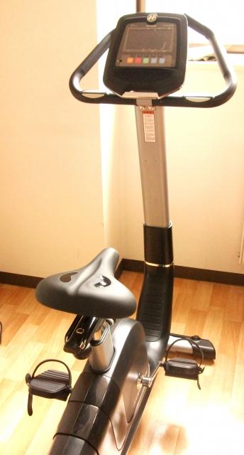 エアロバイクとカロリー制限で低体重になった経緯を公開