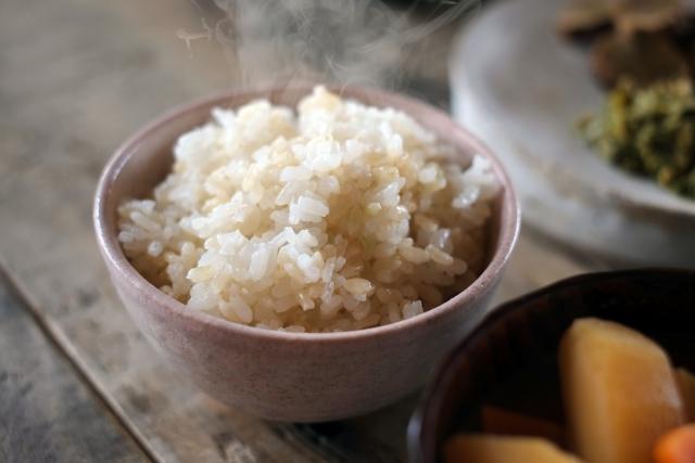 玄米を好きなだけ食べて半年で10キロ減量したダイエット